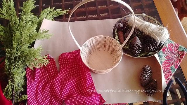 Empaques de navidad utilizando canastos.