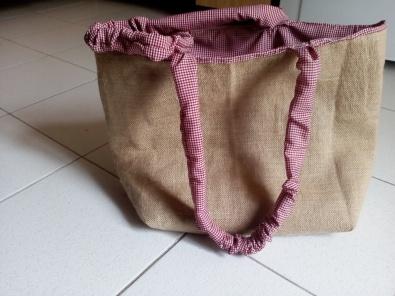 Una bolsa de Yute que hice hace algunos días.